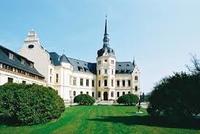 Schloss Ralswiek mit Eingangsportal